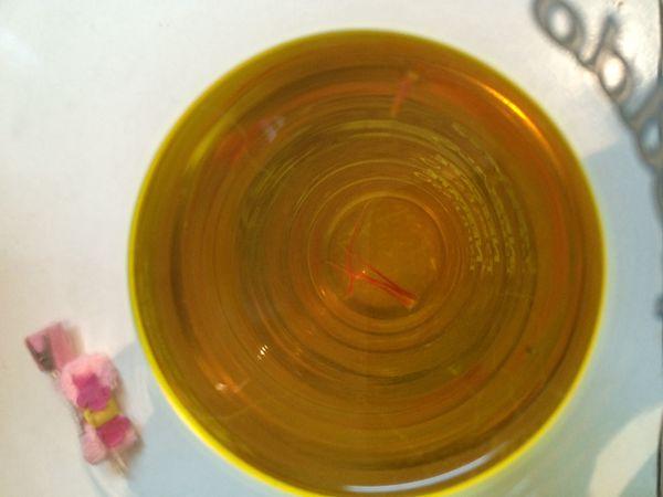 藏红花蜂蜜泡水喝
