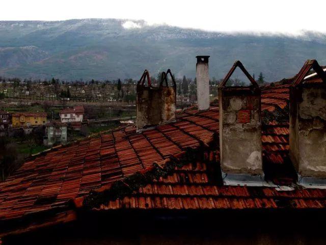番红花城的屋顶