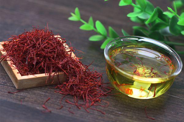 西藏藏紅花泡水