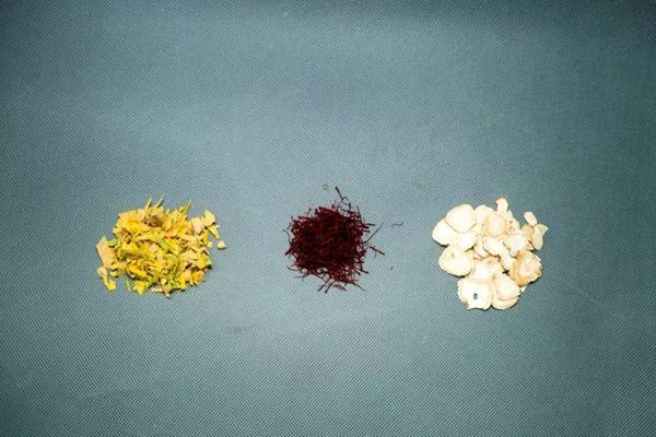 银杏叶、西红花和人参
