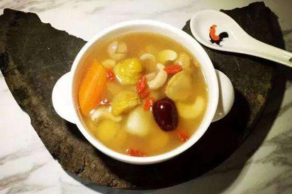 西红花煲汤