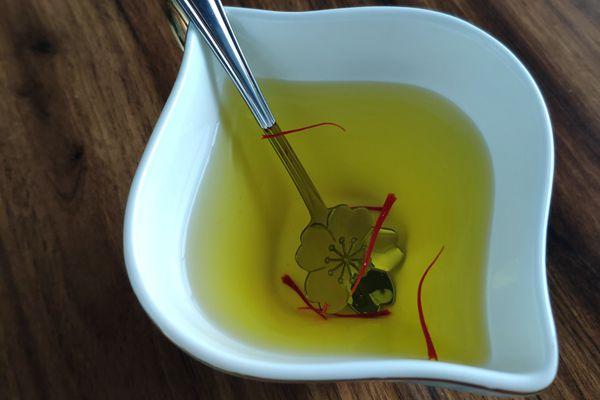 西紅花泡水喝增強體質、調節內分泌