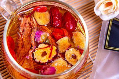 藏红花红枣枸杞泡水喝的功效