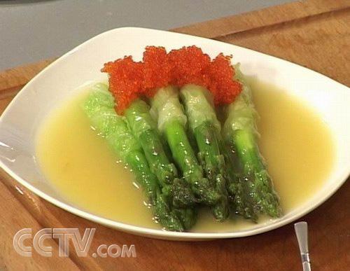 藏紅花美食:上湯蘆筍