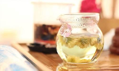 菊花茶加蜂蜜