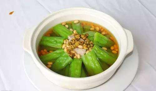 苦瓜黃豆石斛排骨湯