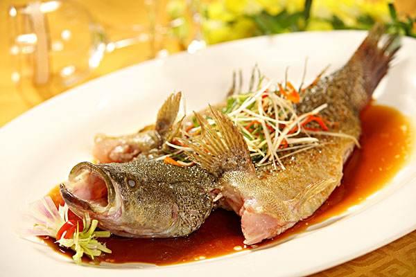 鐵皮石斛清蒸鱸魚