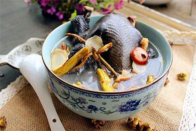 石斛西洋参乌鸡汤的做法