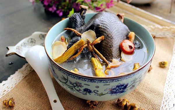 石斛西洋參烏雞湯