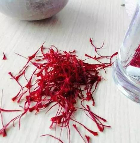呂曉芳農場出產的高品質藏紅花