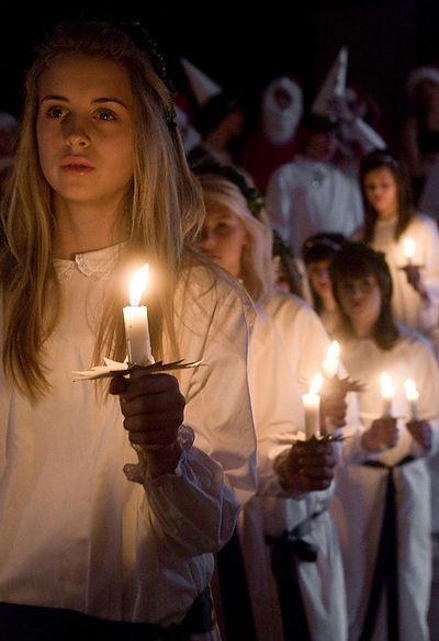 瑞典人慶祝迎光節