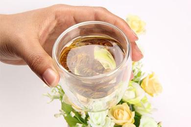 铁皮石斛茶什么时候喝才能发挥出最大功效?